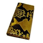 蛇革金色財布